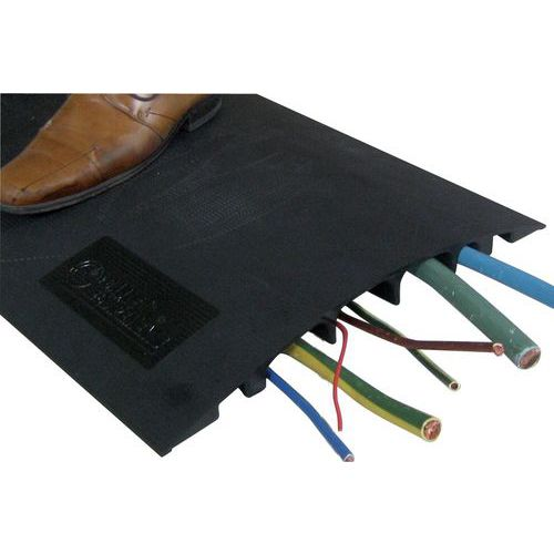 Pedestrian cable cover - 7 cables