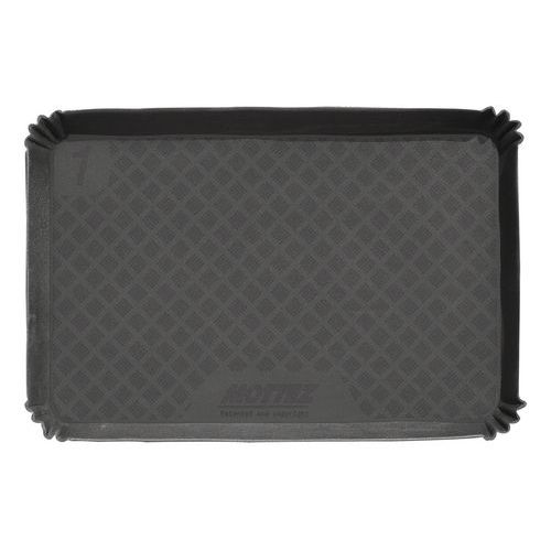 Luggage compartment mat with gussets