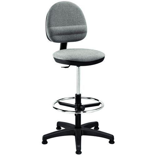 Budget tall chair - On feet